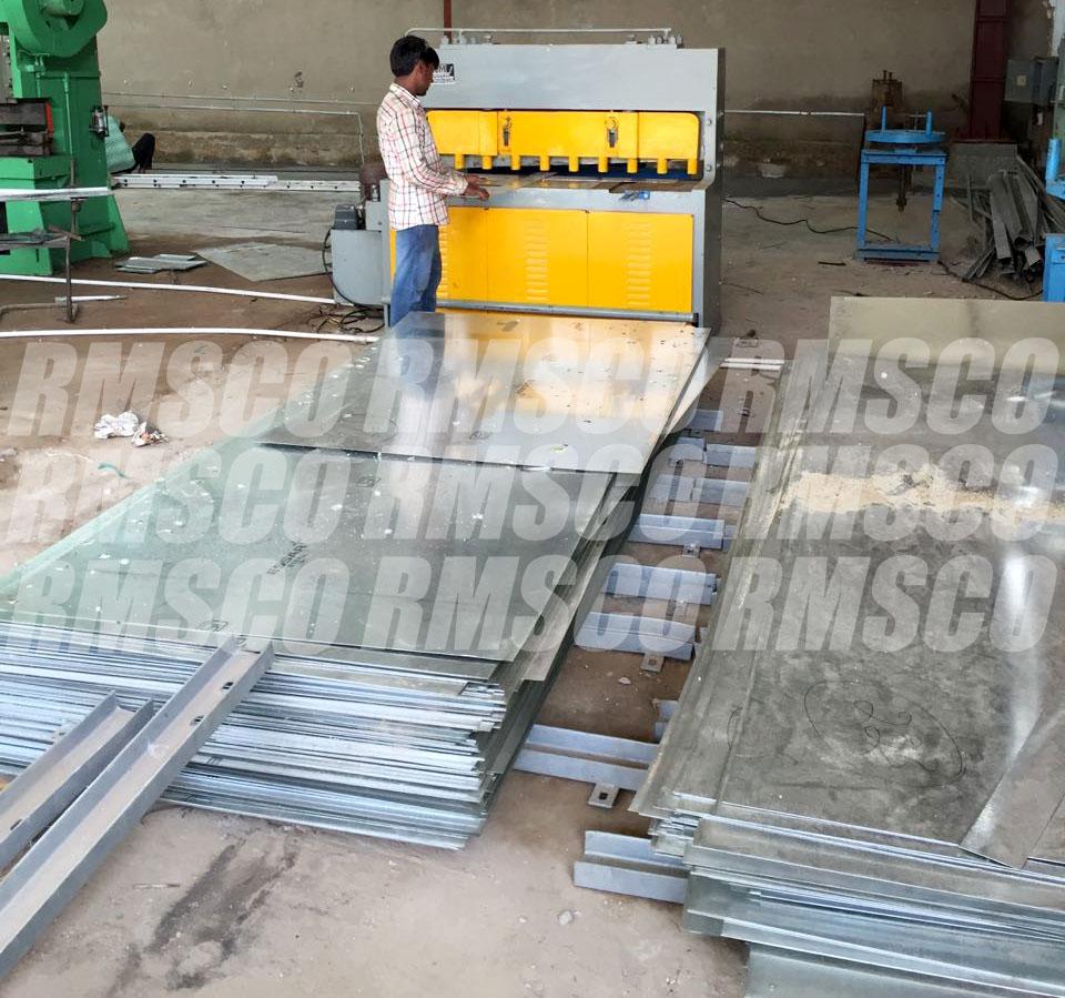 Manufacturing facility - sheet cutting